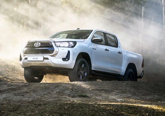 Обновленный пикап Toyota Hilux: цены в России